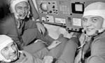 شوروی سفینه (سایوز11) را به سرنشینی سه فضانورد به مدار زمین فرستاد(1350ش)