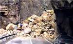 جاده هراز به مناسبت سقوط سنگ 200 متری بسته شد(1357ش)