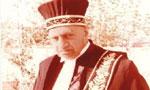 سید هاشم وکیل رئیس سابق کانون وکلای دادگستری درگذشت.(1348 ش)