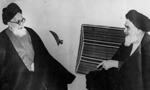 آیت الله شریعتمداری در مصاحبه ای با خبرنگاران خارجی بر لزوم مراعات قانون اساسی ایران تکیه کرد(1357ش)