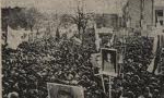 در غالب شهرهای ایران بمناسبت گرامی داشت روزهای 15 خرداد مراسمی برپا کردند (1354ش)