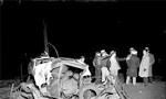 پزشک قانونی اعلام کرد در سال گذشته (1350) در تهران 700 نفر در اثر تصادف با اتومبیل درگذشته اند(1351ش)