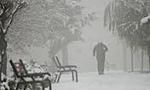 در اثر ریزش برف و یخبندان شدید تهران تعطیل شد.(1355ش)