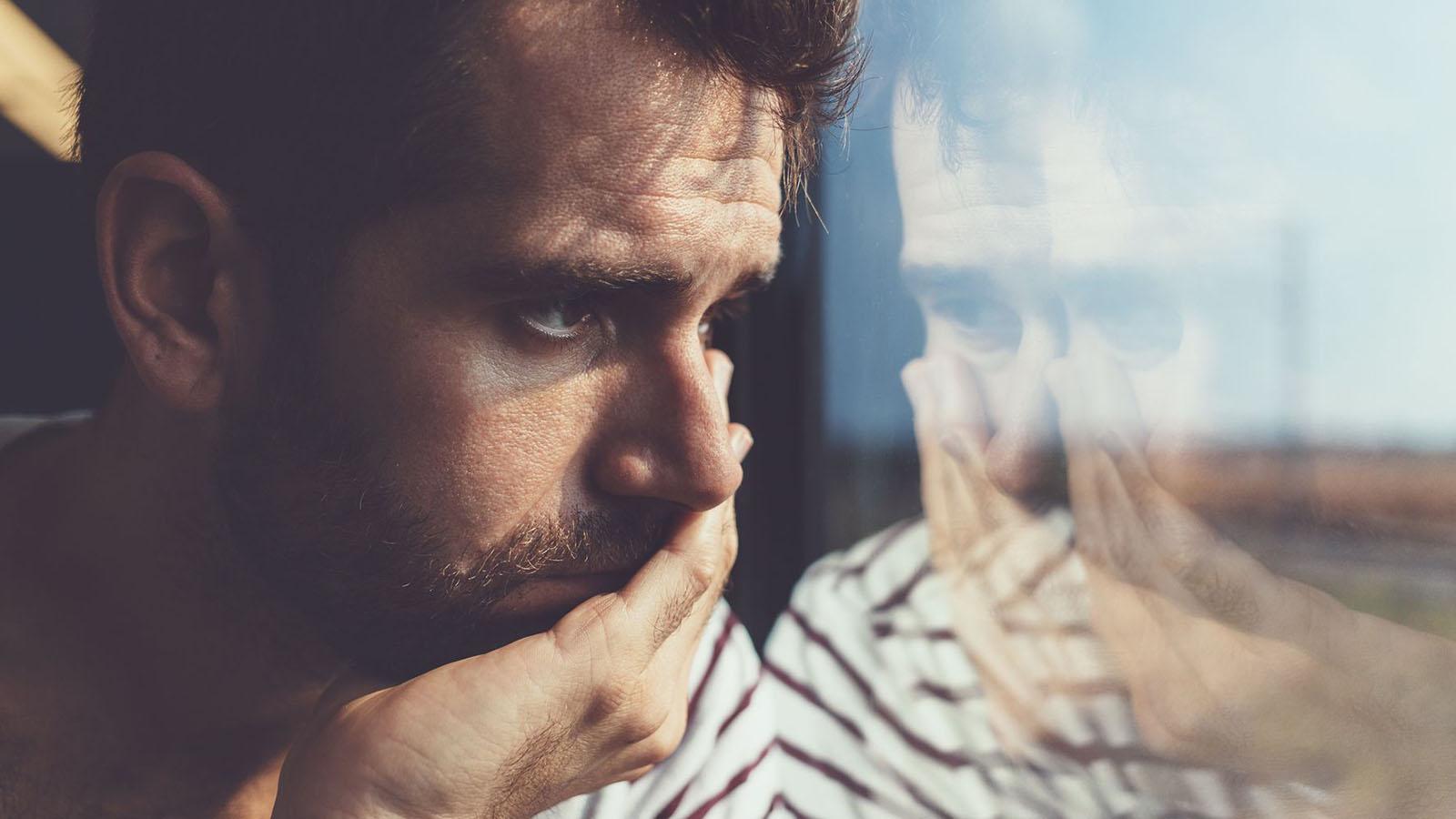 آشنایی با علائم افسردگی جوانان