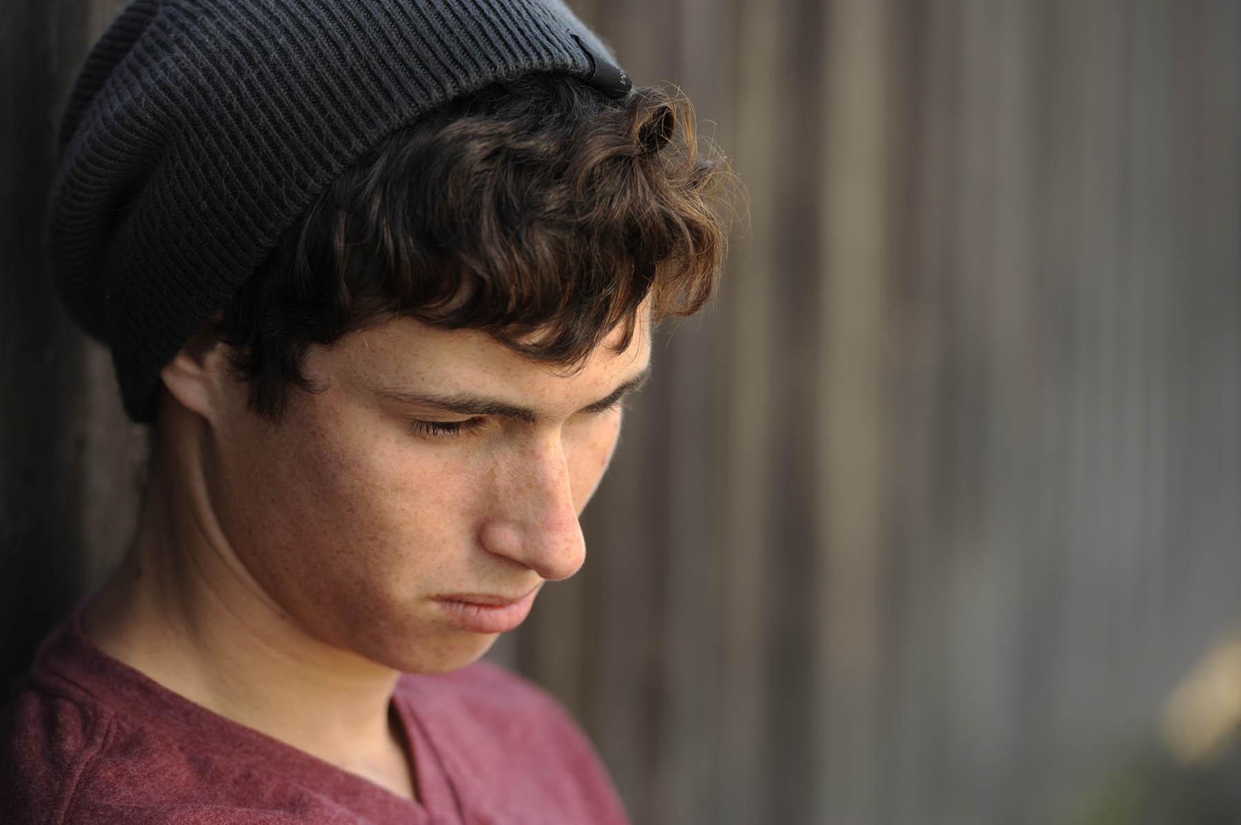 افسردگی در نوجوانان، علائم و دلایل آن