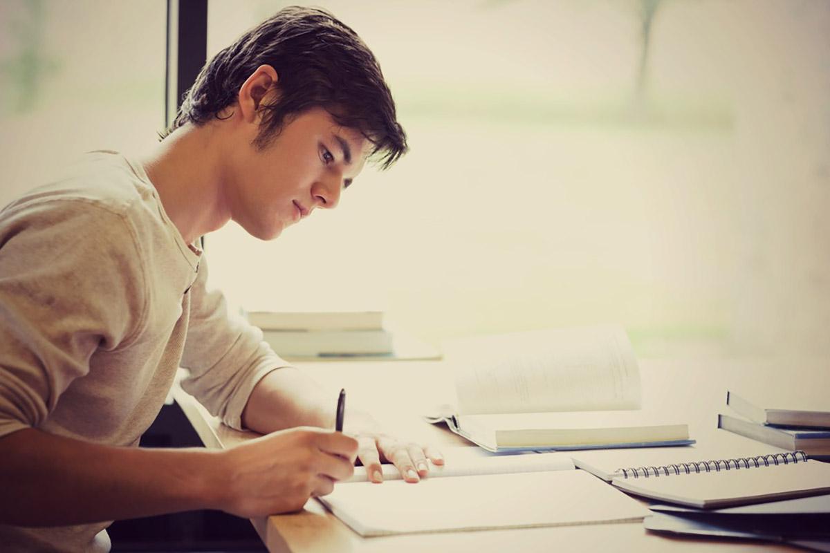 روزه داریدانش آموزان در ایام امتحانات