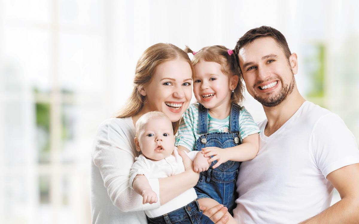 نقش پدر و مادر در زندگی فرزندان