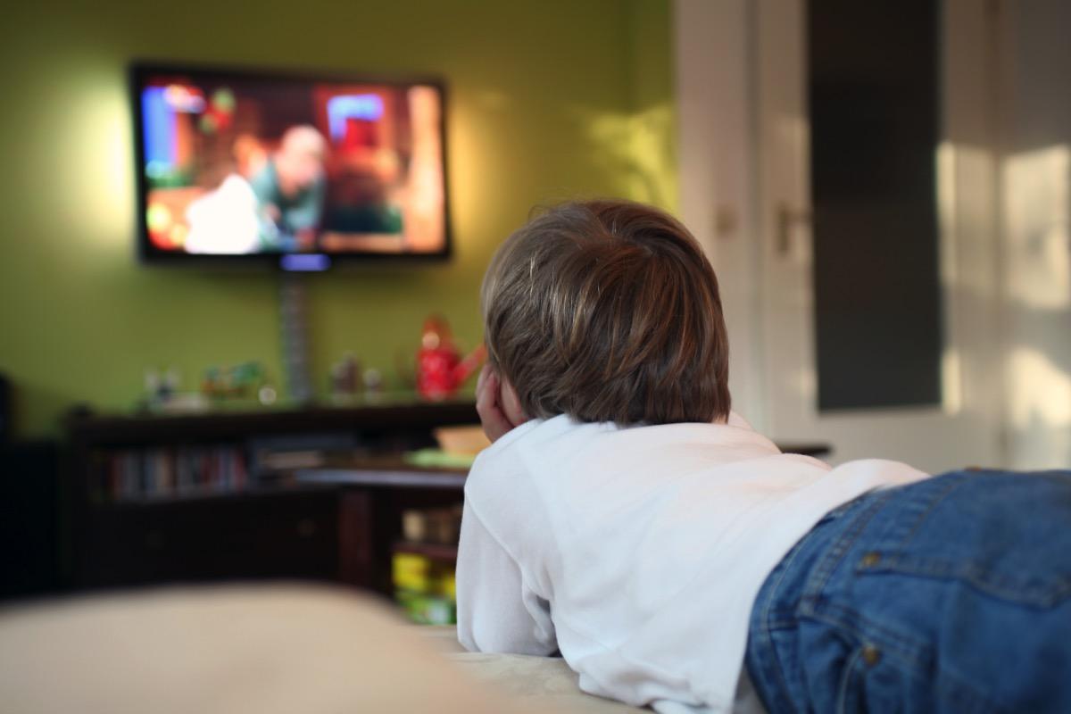 راهکارهایی برای زیاد تلویزیون دیدن کودکان