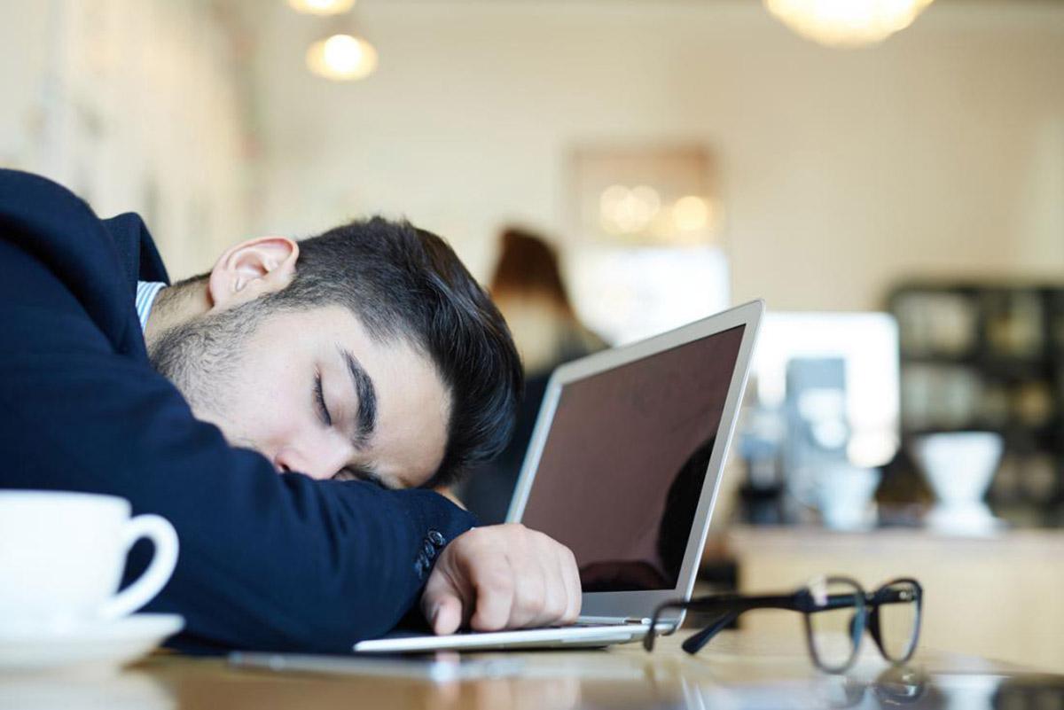 عوامل احساس خواب آلودگی در طول روز