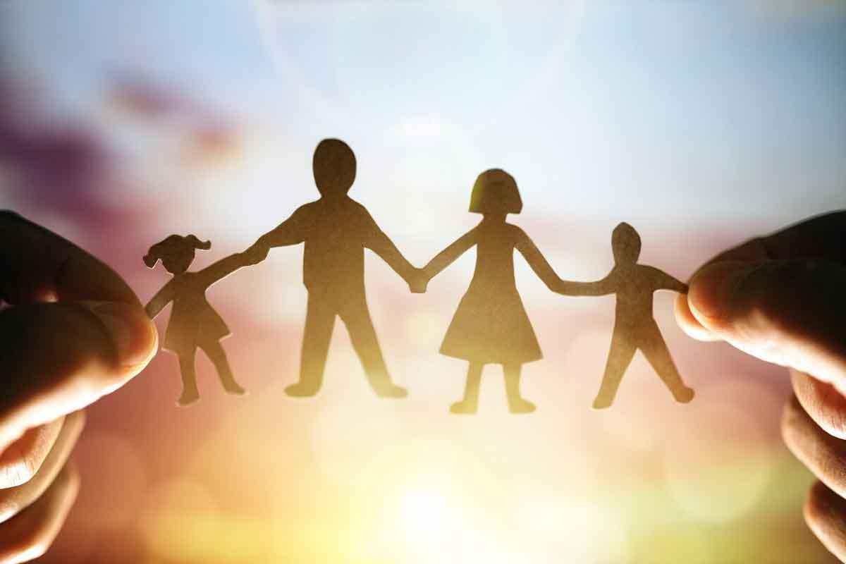 بررسی ارزش و اهمیت خانواده