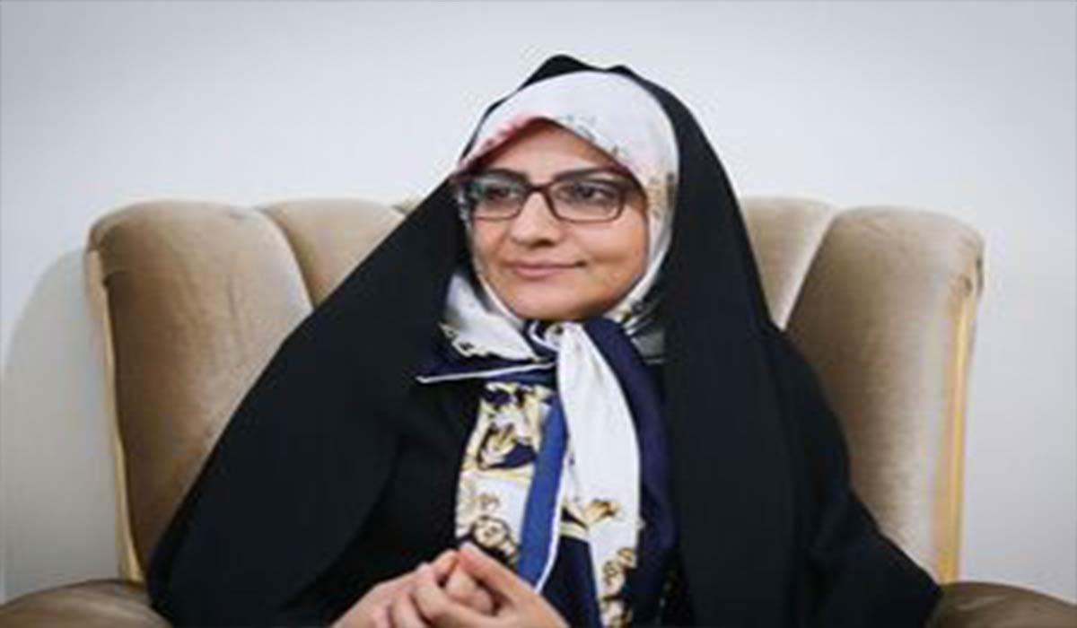 اولین داوطلب دریافت واکسن فخرا؛ همسر شهید رضایینژاد