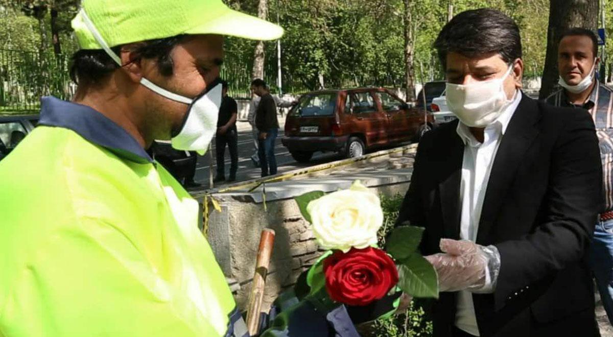 دلجویی شهردار منطقه یک تهران از پاکبان که مورد تمسخر سحر قریشی قرار گرفت
