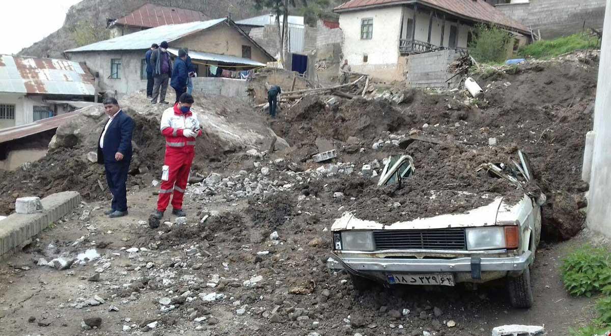 وضعیت روستای پیت سرای سوادکوه پس از ریزش سنگ از کوه