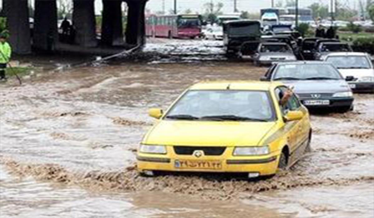 جاری شدن سیل در خیابانهای تبریز!