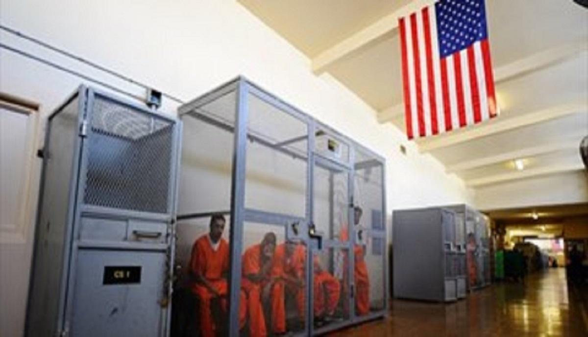 کشوری با 41 میلیون گرسنه و 2 میلیون زندانی