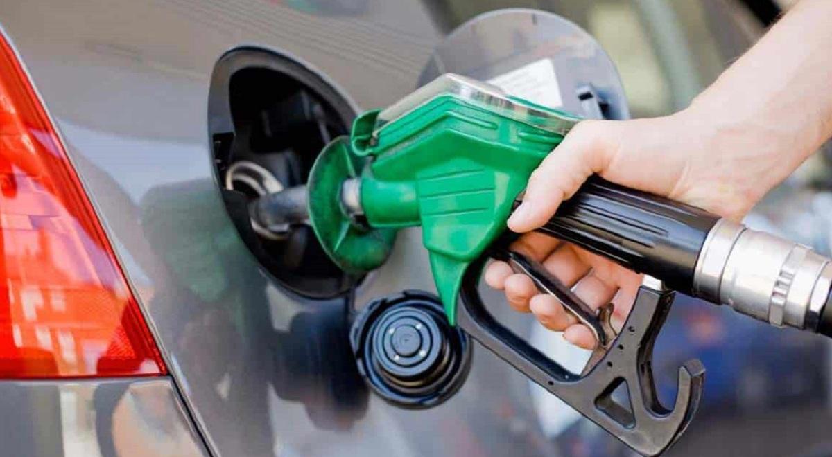 پرداختِ درآمد گرانی بنزین جدای از یارانههاست