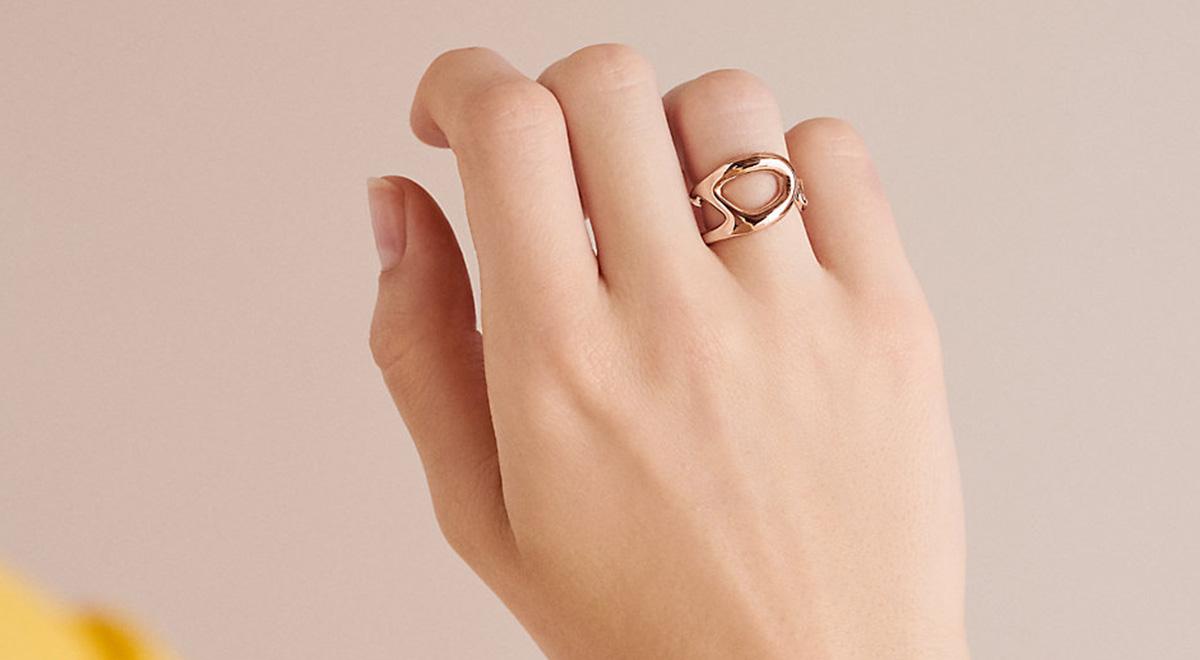 چطوری انگشتر گیر کرده توی انگشت رو دربیاریم؟