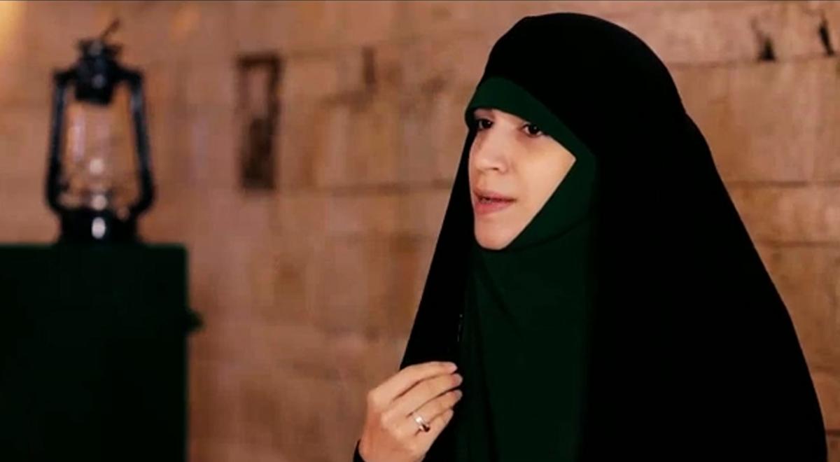 ماجرای دختر بد حجابی که عاشق رهبری شد...