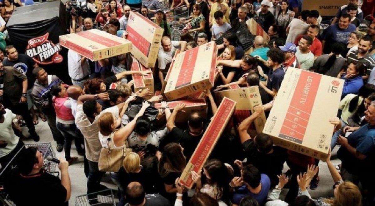 درگیری در فروشگاههای آمریکا در آخرین جمعه