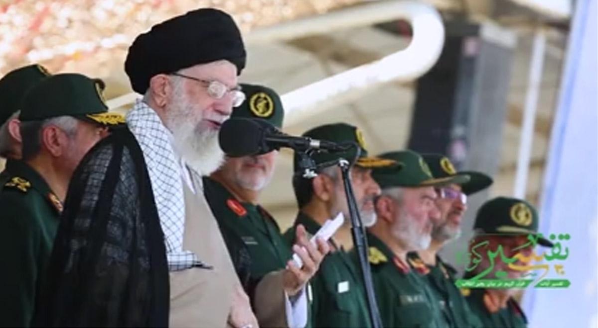 تفسیر قرآن رهبر انقلاب | صبر و تقوا سپری در برابر دشمنان