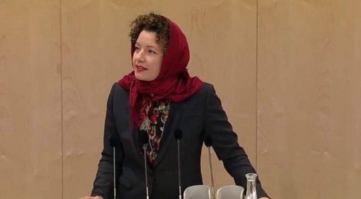 حرکت عجیب زن نماینده پارلمان اتریش