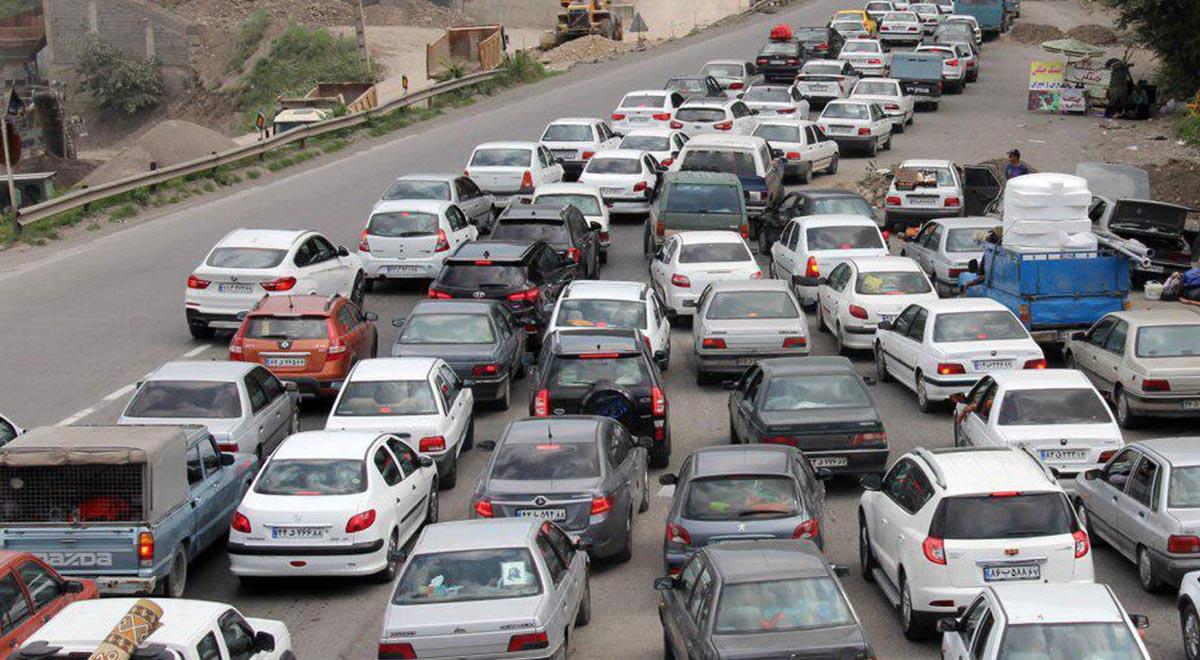 جادهها همچنان گرفتار مسافر