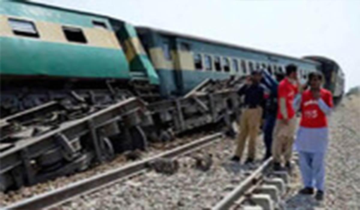 برخورد ۲ قطار در پاکستان با ۳۰ کشته!