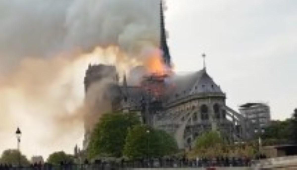 آتشسوزی مهیب در بزرگ ترین کلیسای فرانسه