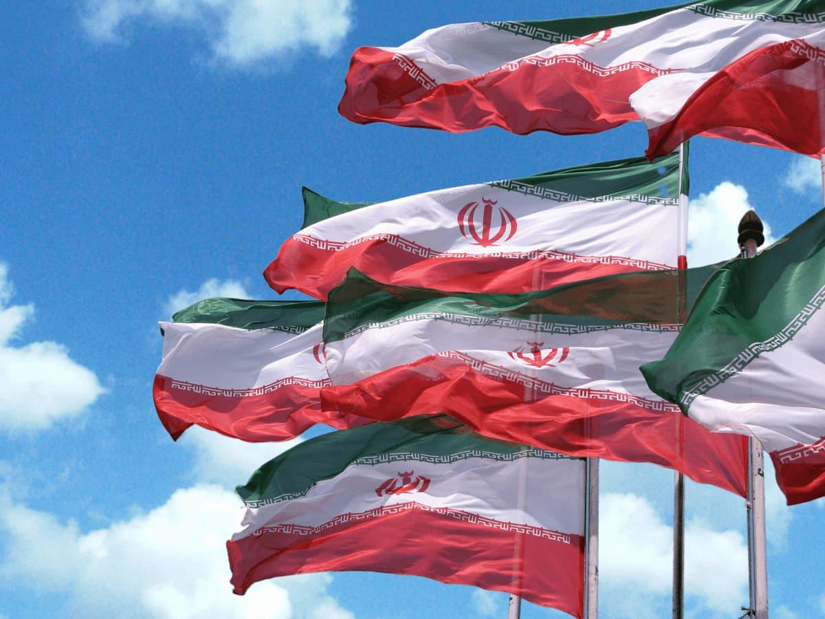 «ایران سربلند» با صدای سالار عقیلی