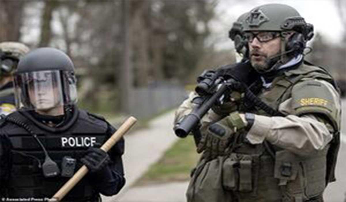 حقوق زنان به سبک پلیس آمریکا