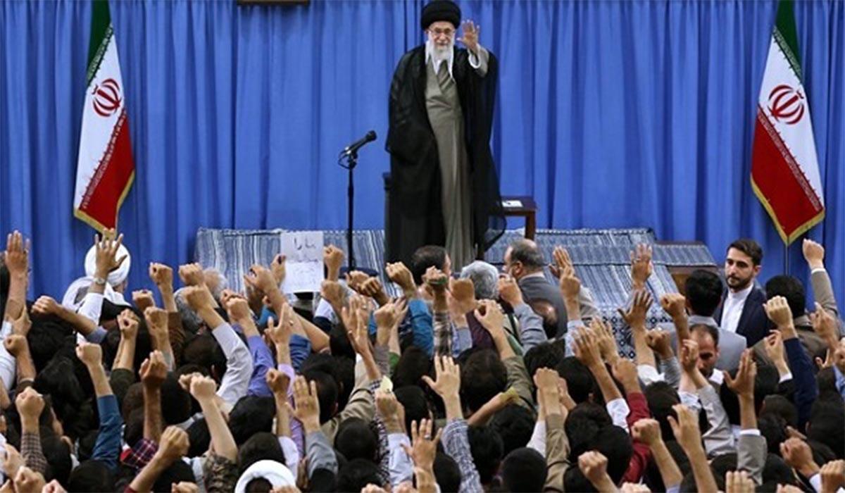 انتقادات صریح یک دانشجو در حضور رهبر انقلاب!
