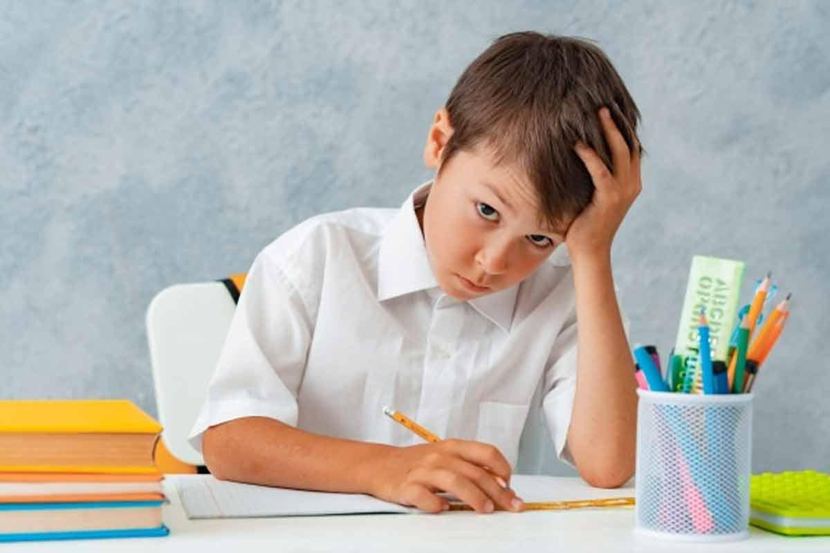 افت تحصیلی کودکان ابتدایی/ دکتر مجید همتی