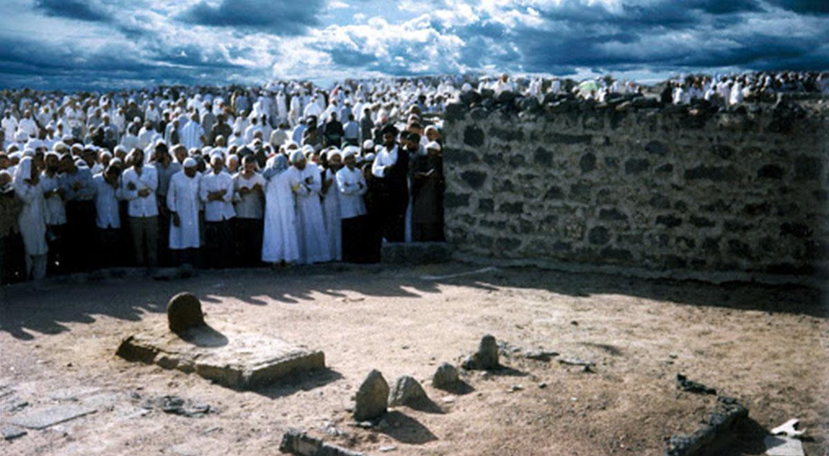 استفاده شیعیان عربستان از نبود شرطه های قبرستان بقیع بخاطر کرونا