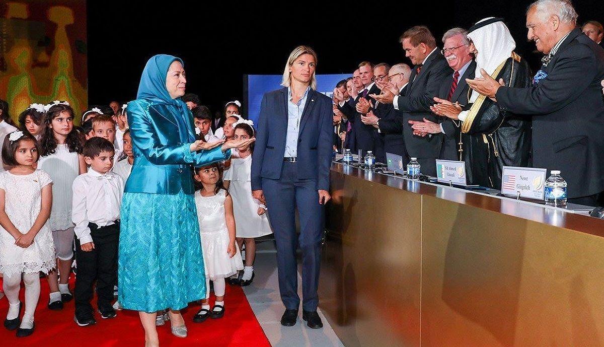 تصاویر جدید از خیانت منافقین به کشور