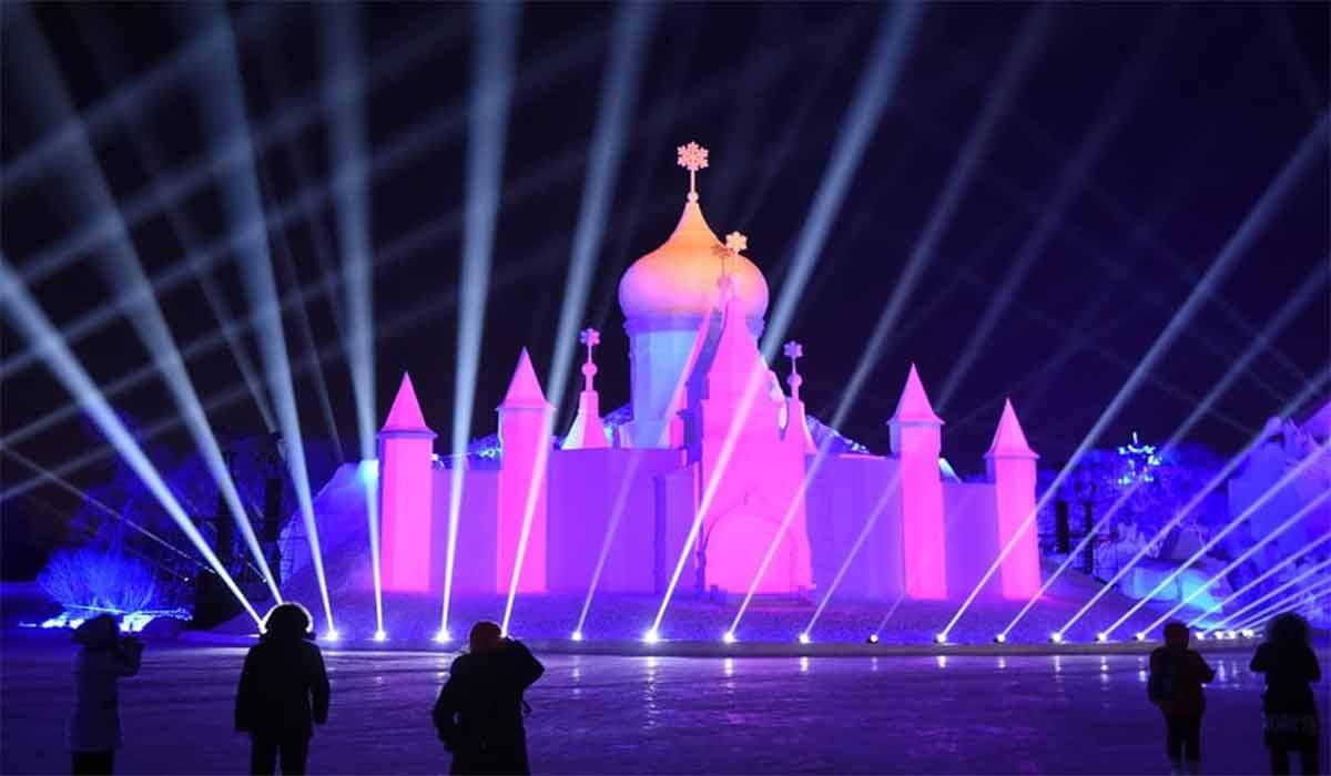 جشنواره سالانه مجسمههای یخی