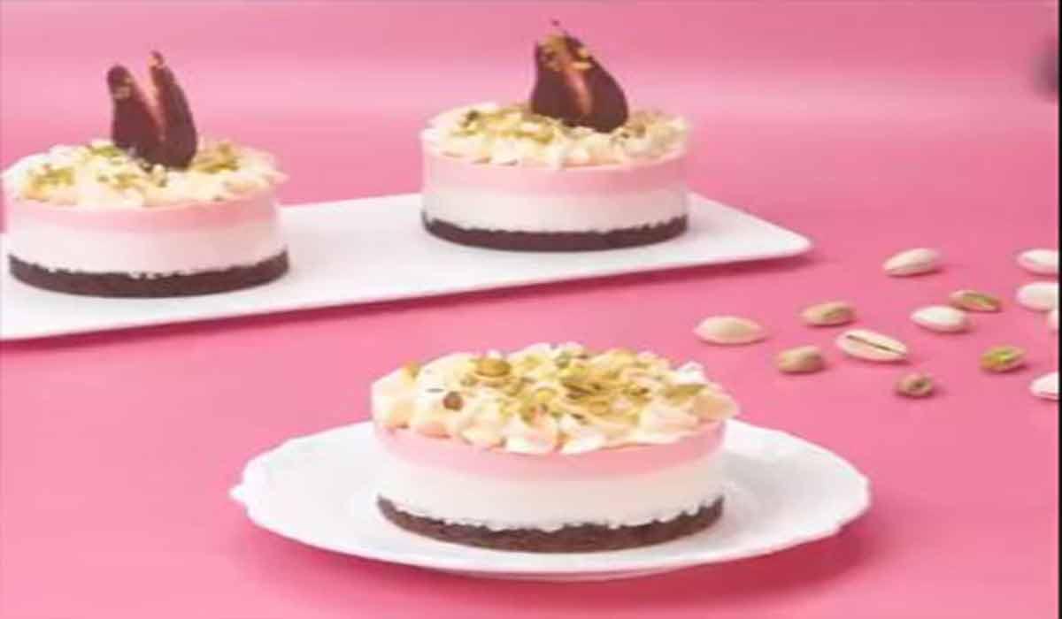 شیرینی|کاپ کیک شکلاتی صورتی