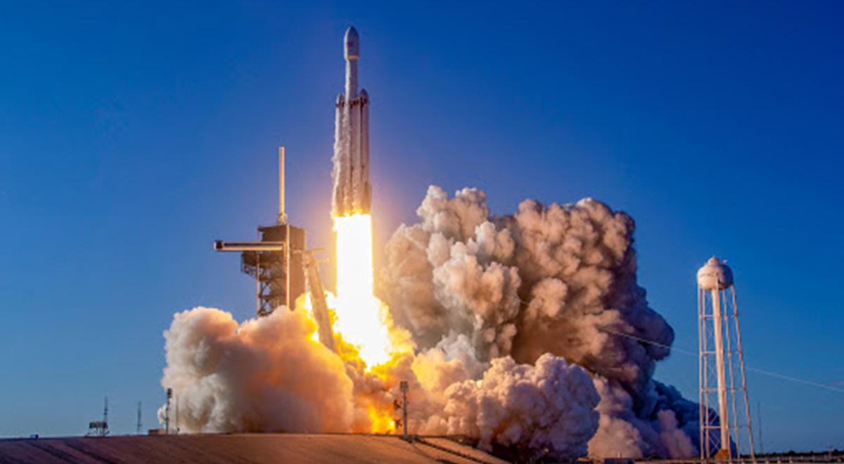 یک پرتاب فضایی در میان غافلگیری بزرگ آمریکا