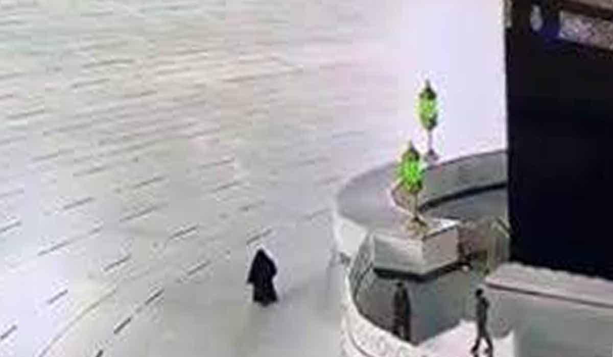 طواف یک زن به تنهایی در مسجد الحرام