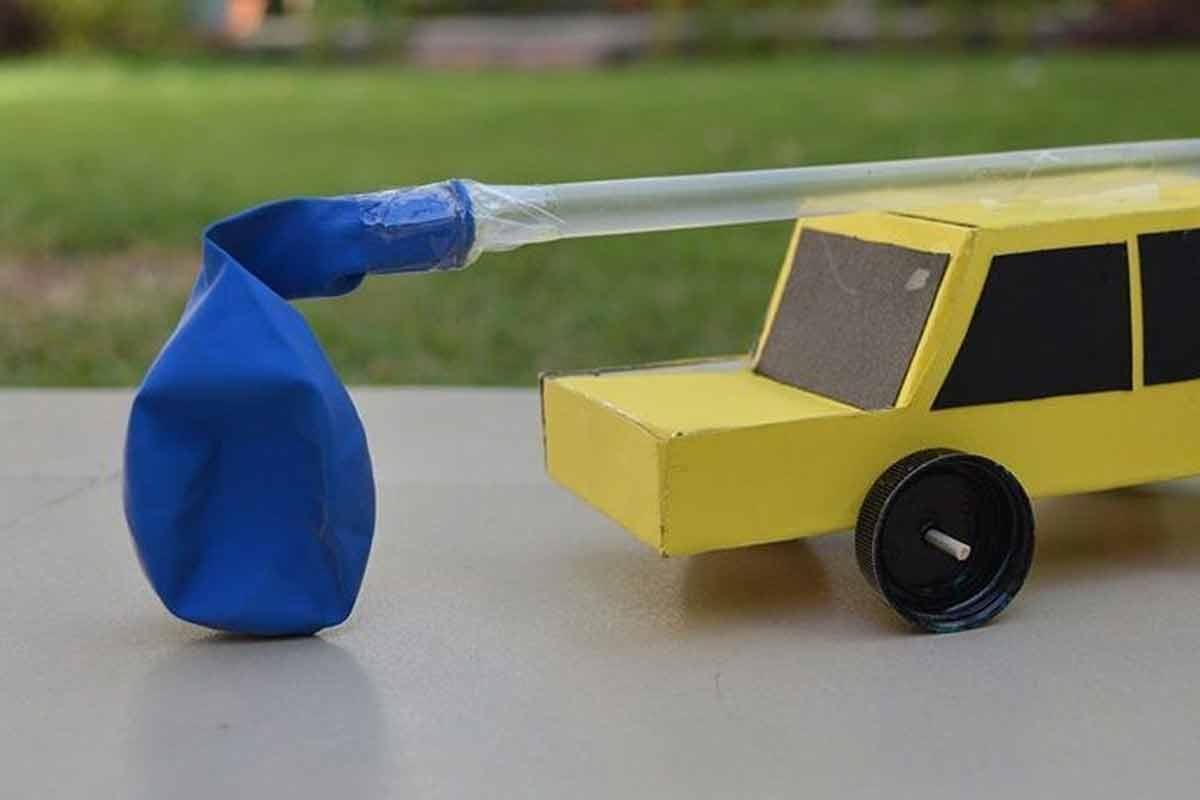 کاردستی ماشین متحرک بادکنکی