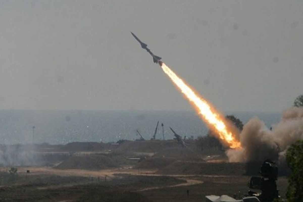 لحظه اصابت چندین موشک به یک ساختمان در فلسطین اشغالی