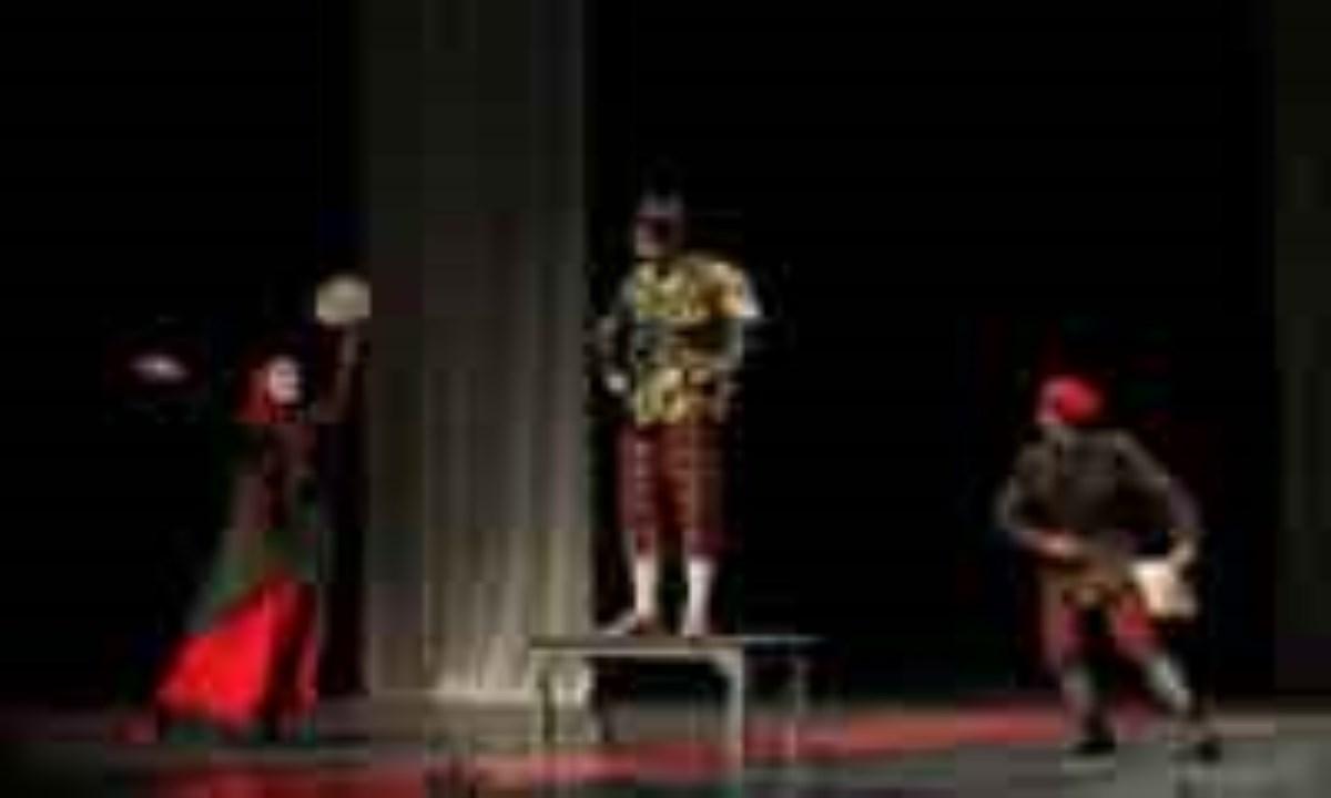 جشنواره تئاتر شهروند در سقز آغاز شد