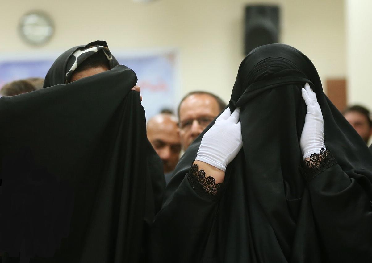 چادر دیگر پوشش زندانیان زن نیست