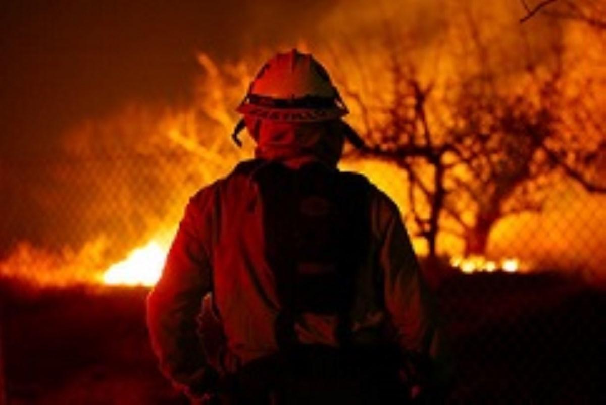 چرا بهشت کالیفرنیا آتش گرفت؟