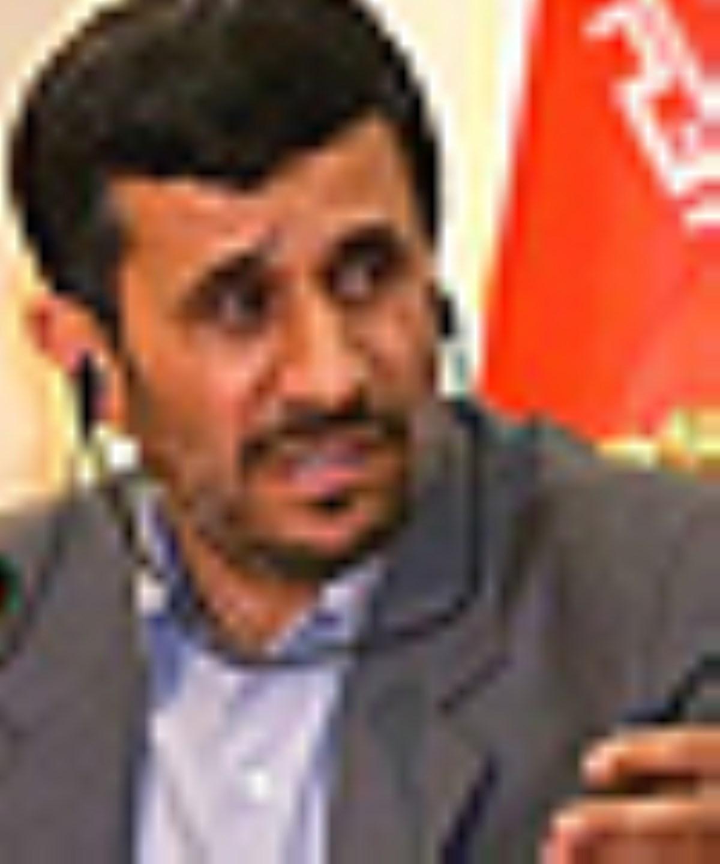 خبرسازي رويترز عليه احمدينژاد درباره صادرات نفت ايران
