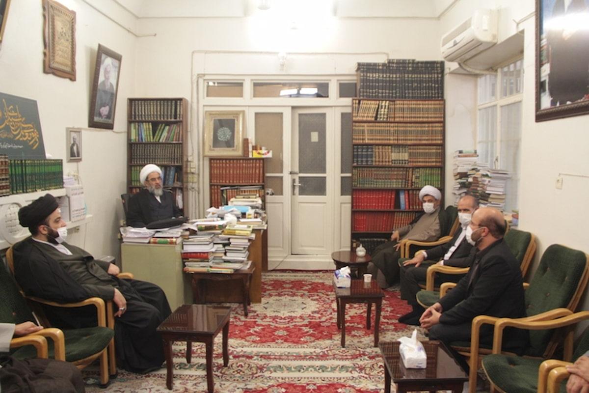 دیدار مدیر کل اوقاف قم با آیت الله فاضل لنکرانی + گزارش تصویری