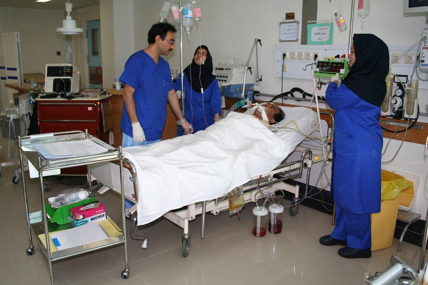 سخنگوی کمیسیون بهداشت و درمان مجلس: مجوز استخدام ۱۰ هزار پرستار صادر شد