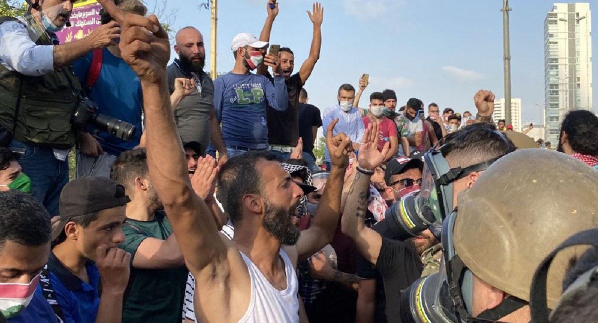 اعتراضات در لبنان/ معترضان لبنانی با حضور در خیابانها خواستار استعفای دولت و ایجاد اصلاحات شدند