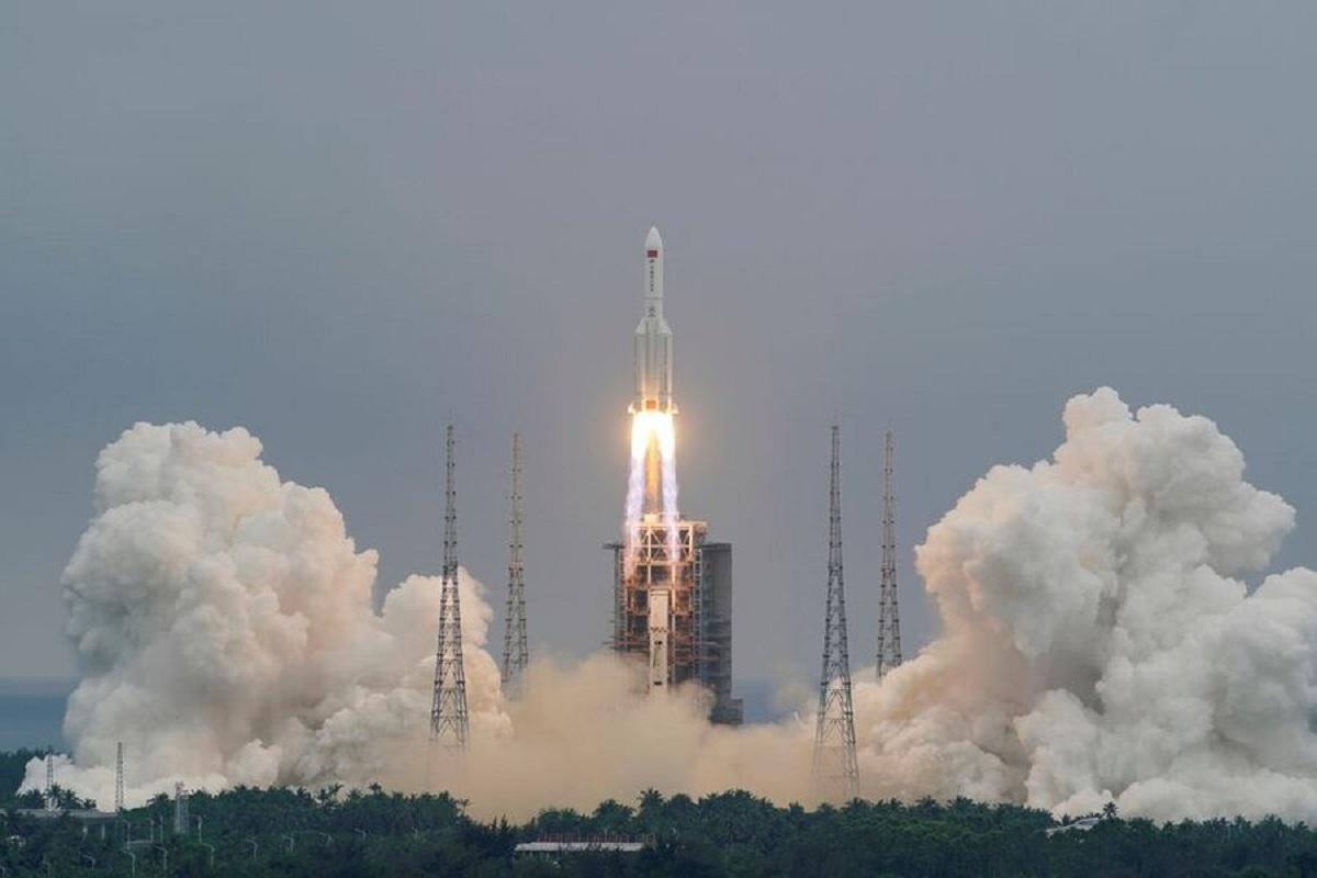 موشک عظیم چینی سرانجام در اقیانوس هند سقوط کرد+ فیلم