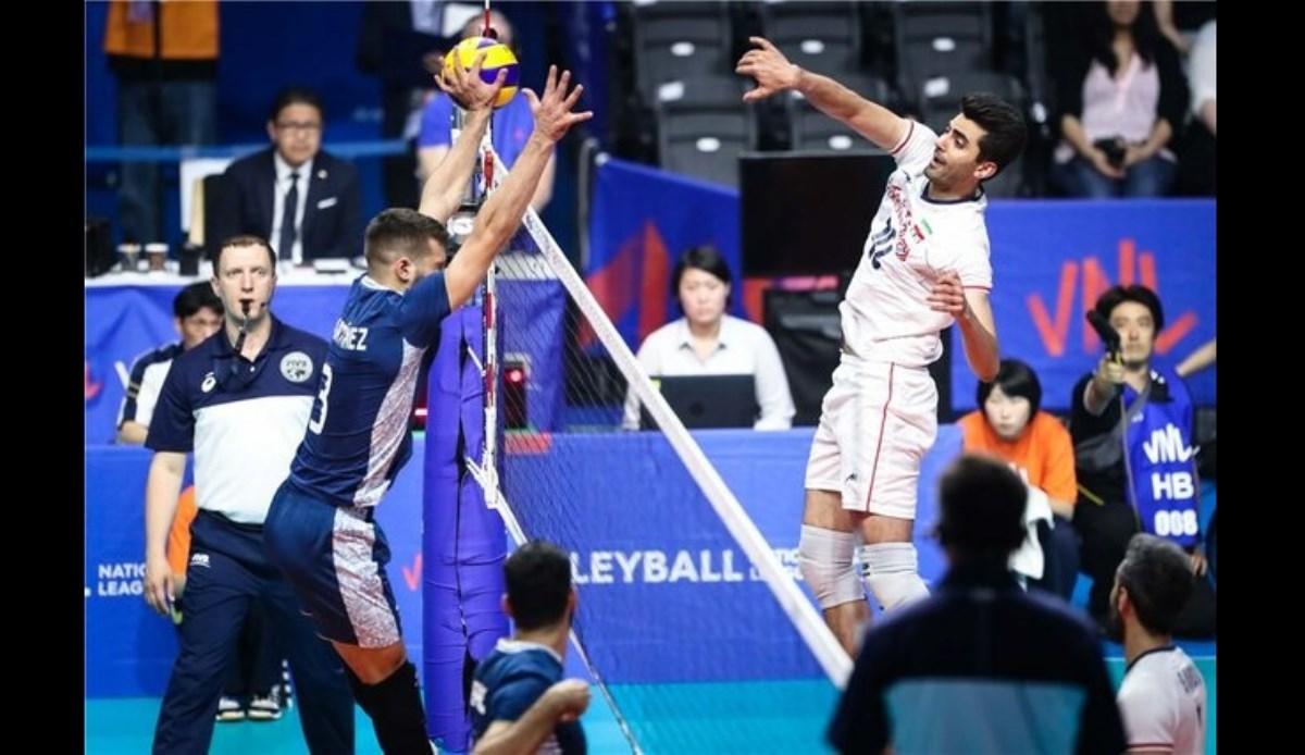 تیم آرژانتین هم مقابل والیبالیستهای ایران زانو زد