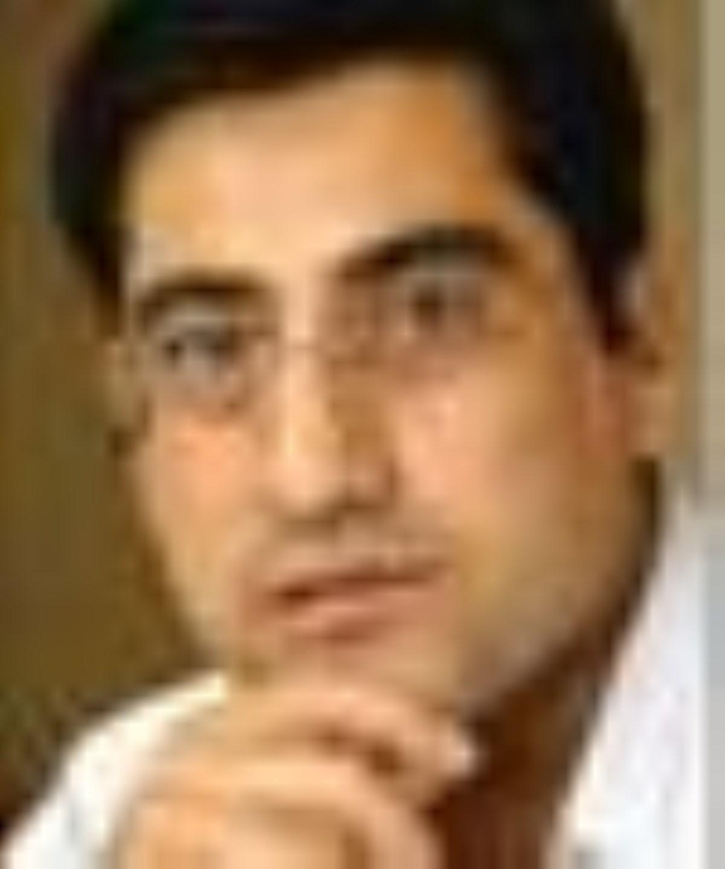 دبیر تحریریه سایت جمهوریت در روزنامه قالیباف